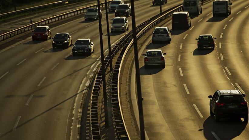 Autobahnen: Andreas Scheuer hält Tempolimit 120 für falsch