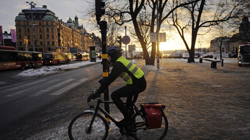 Verbrennungsmotor: Schweden beendet 2030 den Verkauf von Benzinern und Dieseln