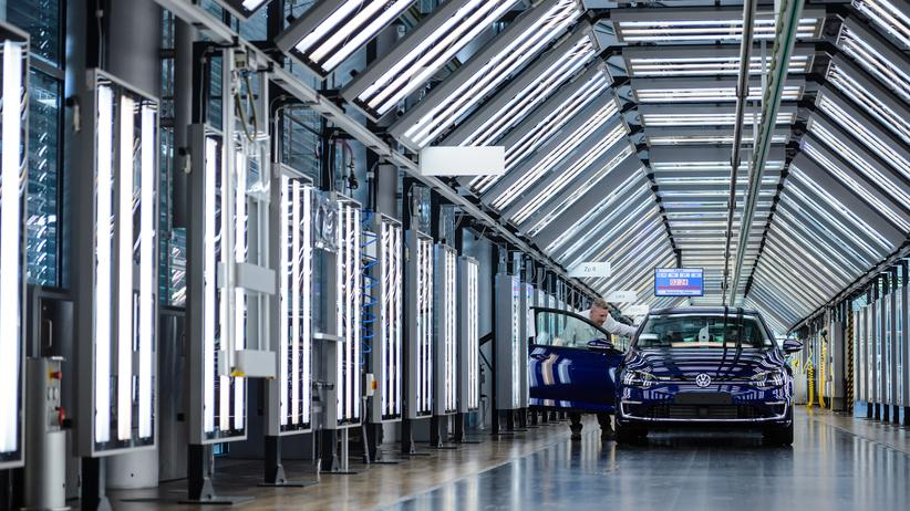 Energie: E-Golf in der Gläsernen Manufaktur in Dresden