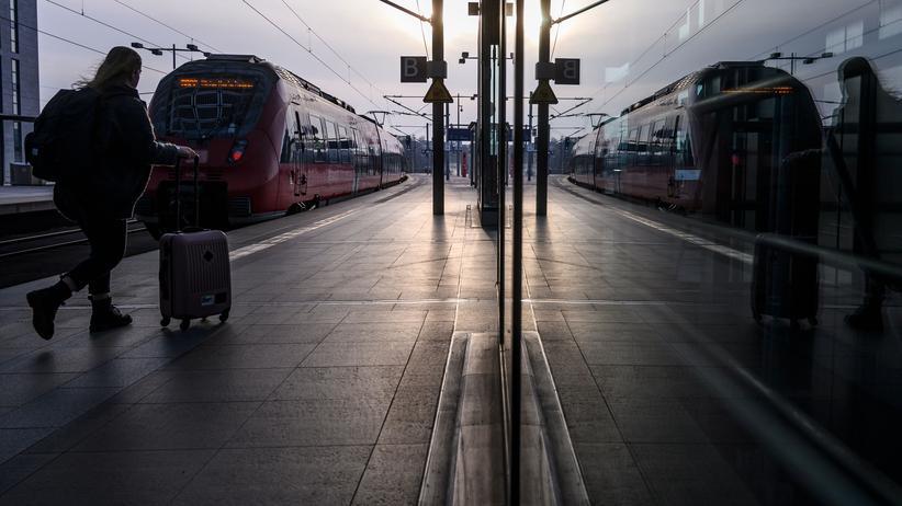 Sturmtief Eberhard: Bahn rechnet mit weiteren Einschränkungen im Zugverkehr