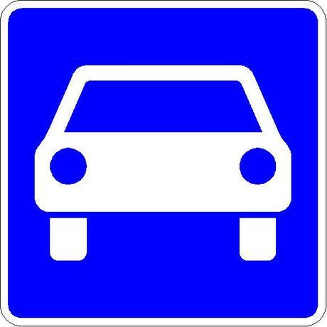 Motorroller: Das Verkehrszeichen 331 kennzeichnet eine sogenannte Kraftfahrstraße.