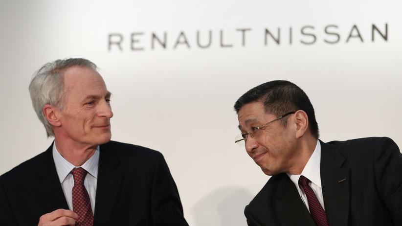 Automobilindustrie: Zwei Mann am Steuer