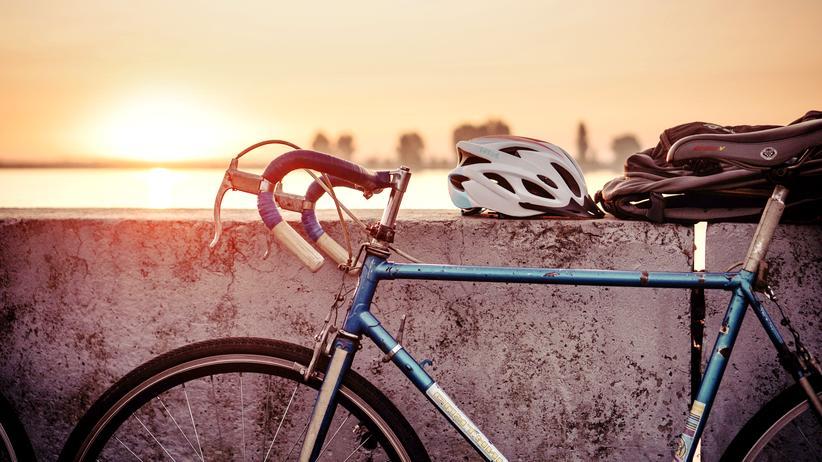 Straßenverkehr: 382 Fahrradfahrer kamen laut Statistischem Bundesamt 2017 in Deutschland ums Leben, 2018 waren es nach vorläufigen Angaben mindestens 50 mehr.