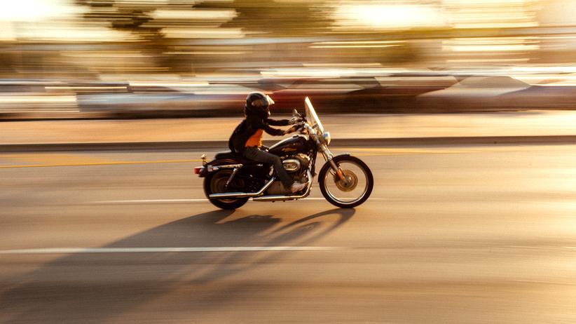 Motorradfahrer: Helmpflicht gilt trotz religiöser Kleidervorschriften