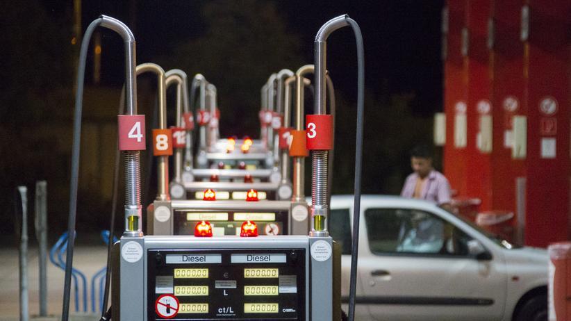 ADAC: So viel teurer ist Tanken an der Autobahn