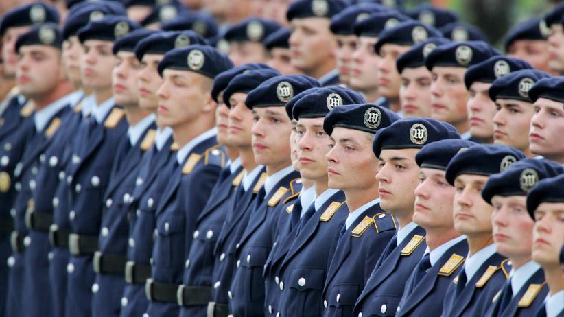 Bundeswehr: Offenbar Einigung über Gratis-Bahnfahrten für Soldaten