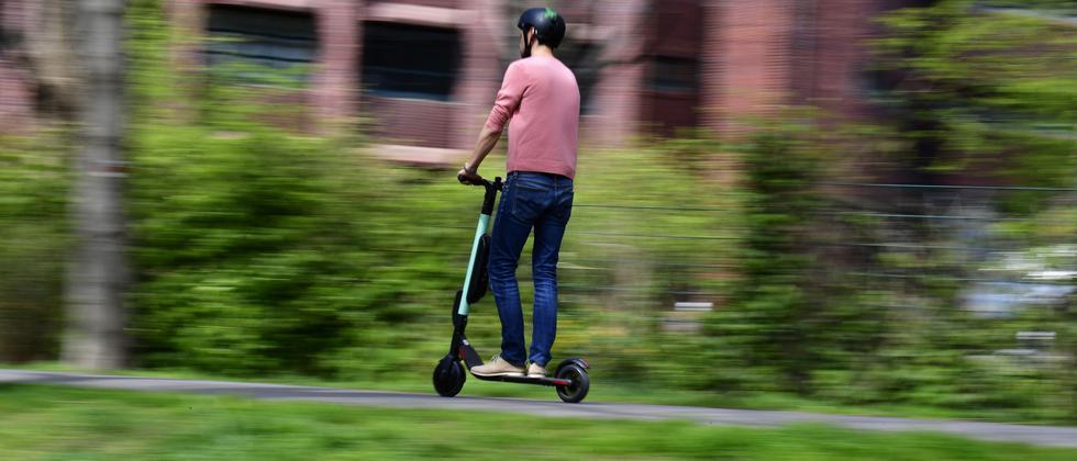 E-Scooter: Karl Lauterbach will Null-Promille-Grenze für E-Roller-Fahrer