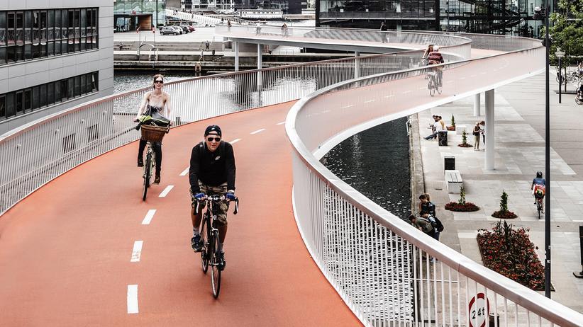 """Bicycle Architecture Biennale"": Die ""Fahrradschlange"" in Kopenhagen"