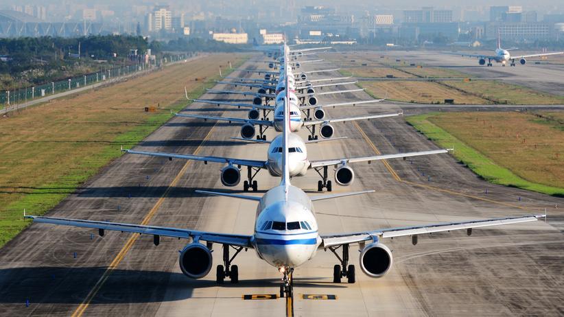 Flugreisende: 58,9 Millionen Passagiere flogen im ersten Halbjahr 2019 von deutschen Flughäfen ab – ein neuer Reiserekord.
