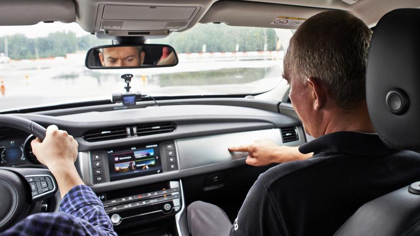 TÜV sperrt sich gegen neue Regeln für Führerscheinprüfung