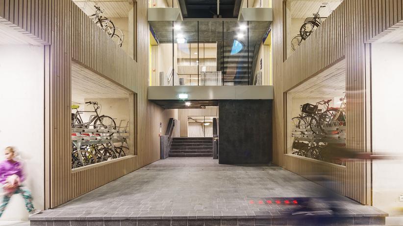 """""""Bicycle Architecture Biennale"""": Parkhaus für Fahrräder in Utrecht, Niederlande"""