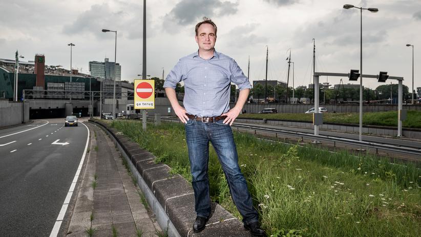 Der Mathematiker und TomTom-Manager Heiko Schilling. Im Hintergrund: Der Verkehr von Amsterdam.