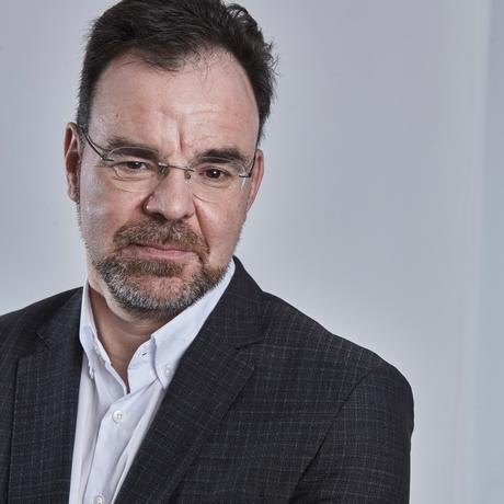 """Der Verkehrsforscher Robert Follmer, Leiter der Studie """"Mobilität in Deutschland"""""""