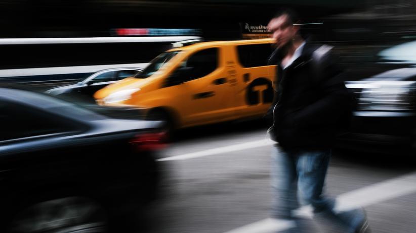 Verstopfte Kreuzung: Besser warten als durchquetschen