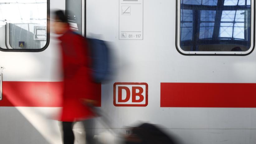 Deutsche Bahn: Auch die Bahncards 25 und 50 sollen um zehn Prozent günstiger werden.
