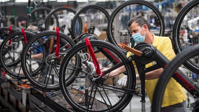 Radfahren: Die Hersteller kommen kaum noch hinterher