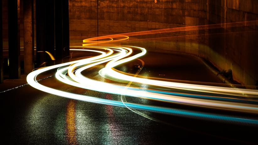 Elektromobilität: Machen E-Autos den Strom teurer?