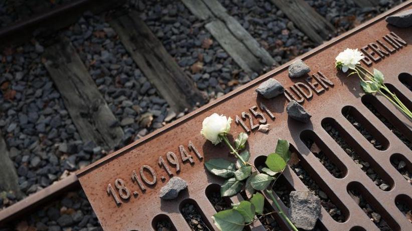 Gedenken an NS-Opfer: Holocaust-Gedenktag: Merkel mahnt zu neuer Erinnerungskultur
