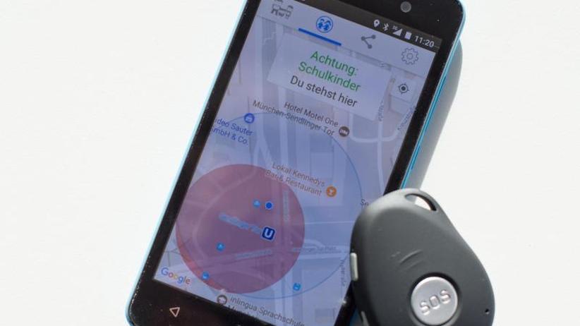 Test in Ludwigsburg: MitPeilsender in die Schule: Debatte umSchutzranzen-App