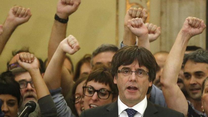 Regierungsbildung in Barcelona: Katalonien: Wahl von Puigdemont verschoben