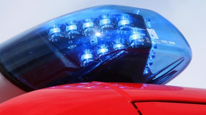 Brände: Fahrzeuge auf Gelände von Autohändler ausgebrannt
