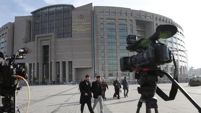 Selbstmordattentat in Istanbul: Lebenslänglich für drei Syrer wegen Anschlags auf Deutsche