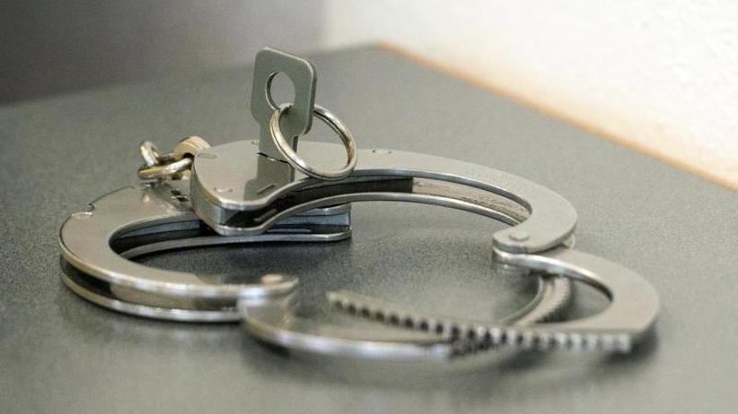 Kriminalität: Messerangriff auf Ladendetektiv: Haftbefehl für 24-Jährigen