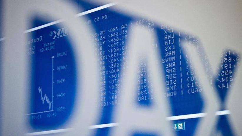 Börse in Frankfurt: Dax rutscht deutlich ins Minus