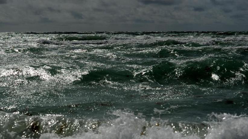 Boot gekentert: Flüchtlingstragödie vor Libyen: Mehr als 90 Tote befürchtet