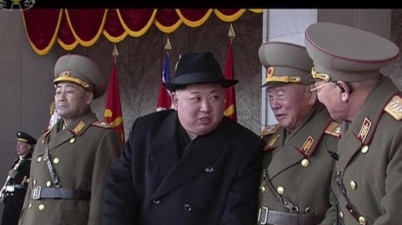Kurz vor den Winterspielen: Neue Provokation Nordkoreas: Militärparade mit Raketen