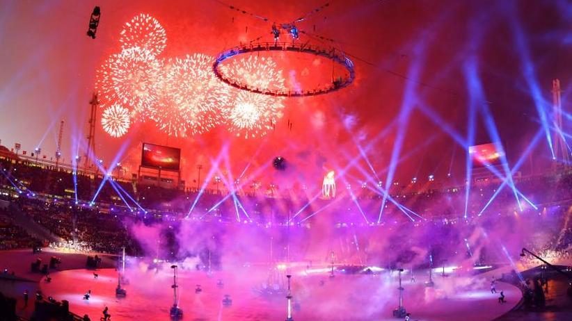 Eröffnungsfeier in Pyeongchang: Botschaft des Friedens: Olympisches Feuer brennt