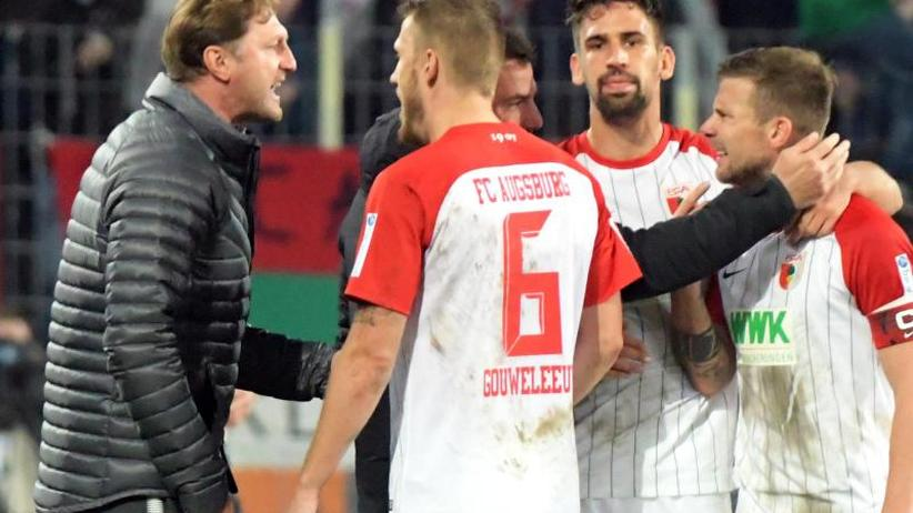 Bundesliga am Freitag: Gefühltes Topspiel mit Brisanz-Faktor: RB empfängt Augsburg