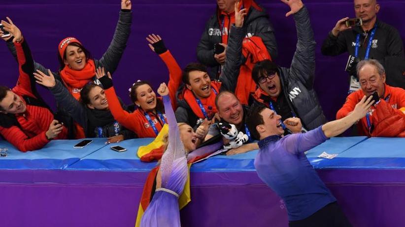Team-Gold für Rodler: Achtes deutsches Olympia-Gold dank Savchenko/Massot