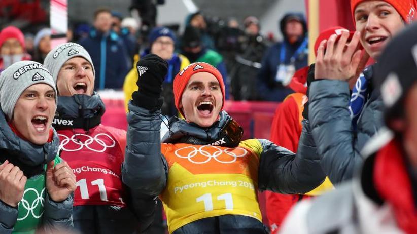 Teamspringen: DSV-Adler feiernSilber wie Gold