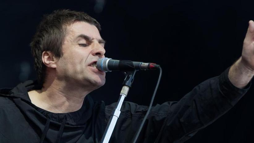 Schneidezähne weg: Liam Gallagher beschuldigt die deutsche Polizei