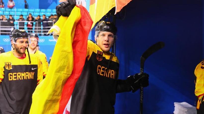 Gegen Russland: Vor Olympia-Finale:Deutsches Eishockey-Team bangt um Wolf