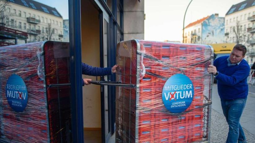 Entscheidung über Koalition: SPD zählt Stimmen des GroKo-Abstimmung aus