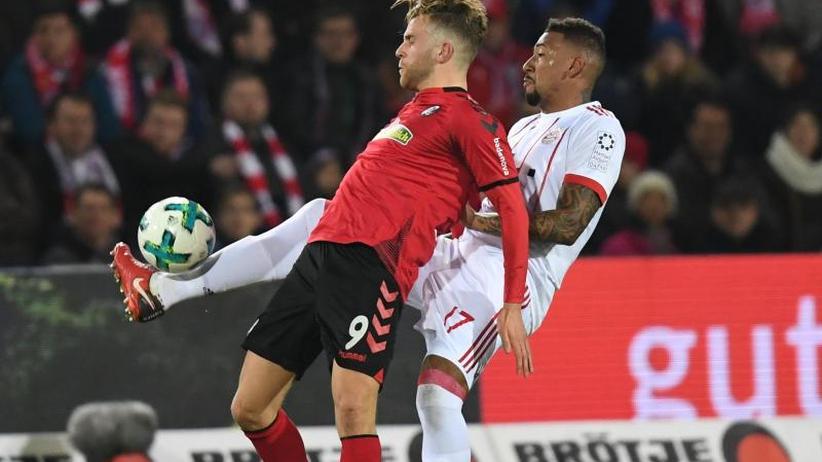 Bundesliga am Sonntag: Bayern siegt locker in Freiburg - Streich dementiert Kontakt