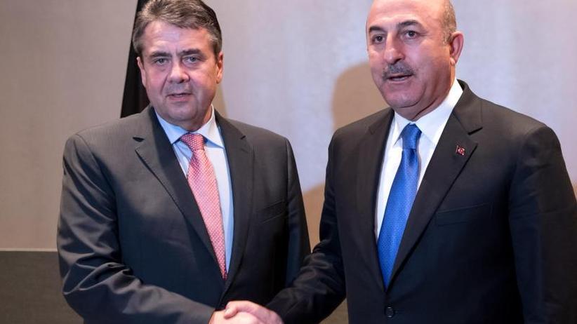 Cavusoglu trifft Gabriel: Türkischer Außenminister wieder auf Deutschlandbesuch