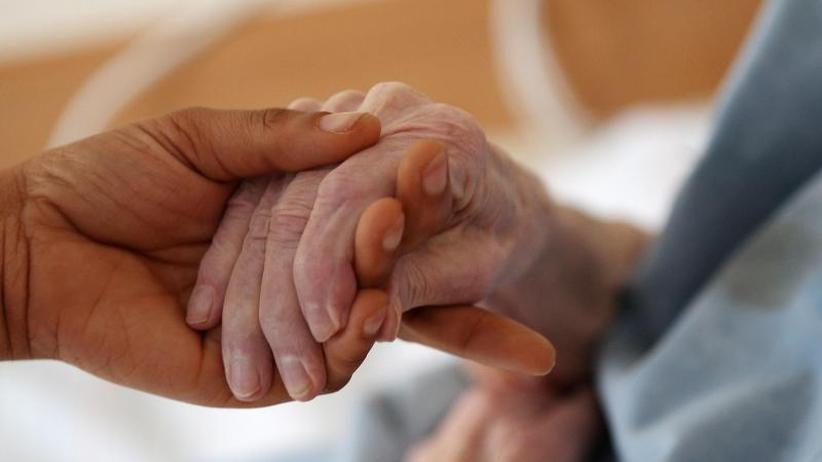 Verdächtiger inU-Haft: Pfleger unter Mordverdacht: Hinweise auf viele weitere Fälle