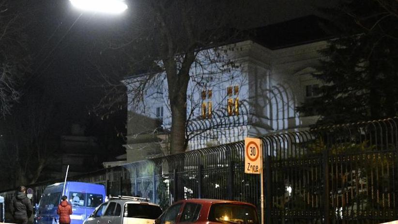 Vorfall in Wien: Messer-Angreifer vor Irans Botschafter-Residenz erschossen