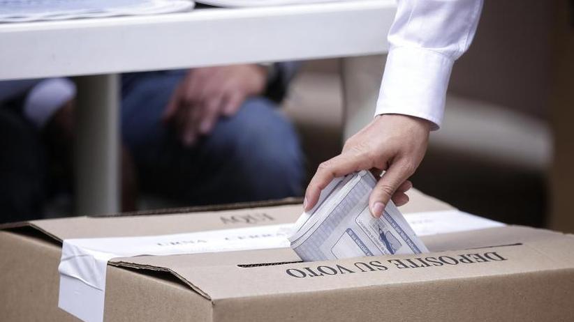 Wahl nach Firedensschluss: Uribes Partei stärkste Kraft bei Parlamentswahl in Kolumbien