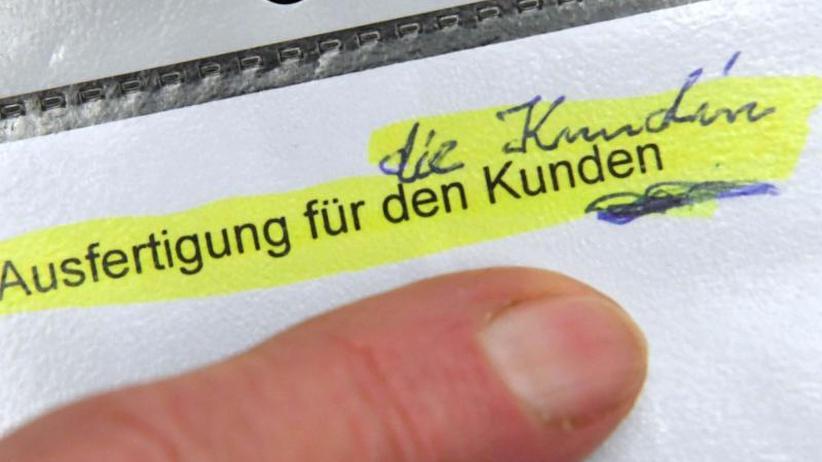 BGH-Entscheidung: Kundin bleibt Kunde: Klägerin unterliegt im Formularstreit