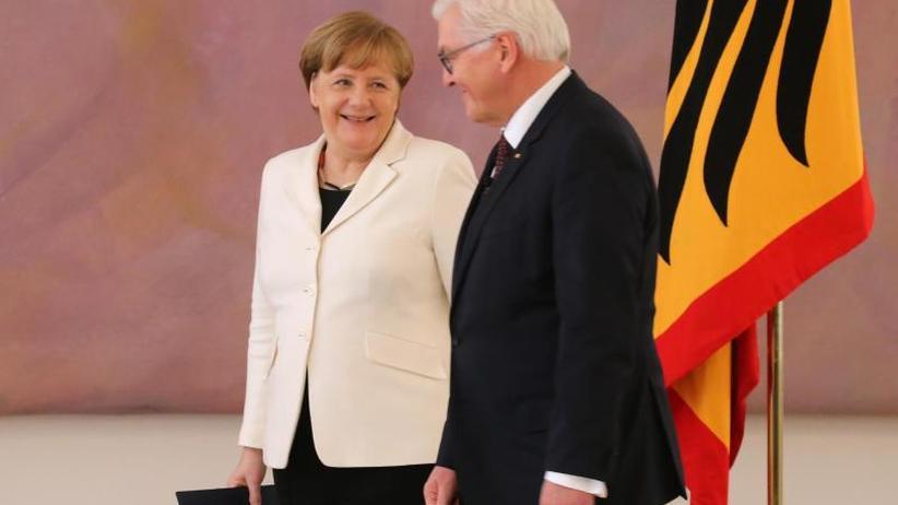 Neun Stimmen Mehrheit: Bundespräsident Steinmeier ernennt Merkel zur Kanzlerin