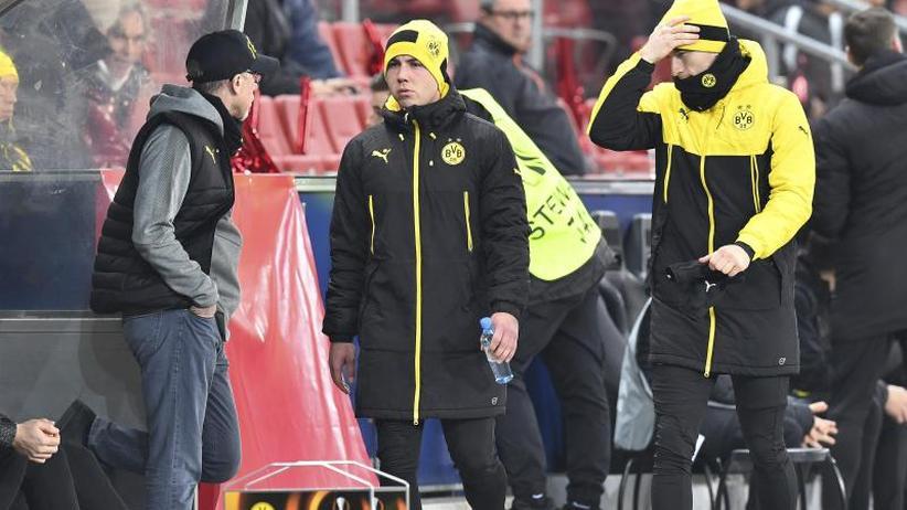 Nach Europa-League-Aus: Eiszeit in Dortmund: Stögers Geduld mit Profis aufgebraucht