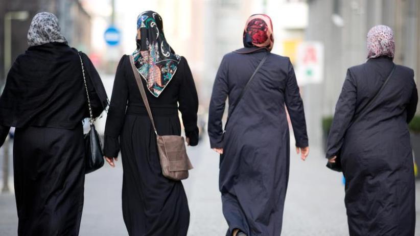 """AfDapplaudiert: Merkel widerspricht Seehofer: """"Islam gehört zu Deutschland"""""""