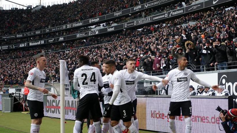 Abstiegssorgen: Wieder 0:3 in Frankfurt: Mainz 05 spielt wie ein Absteiger