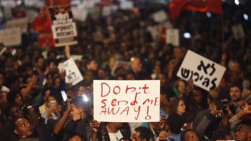 Keine Aufnahme in Deutschland: Israel:16.000 afrikanische Flüchtlinge werden umgesiedelt