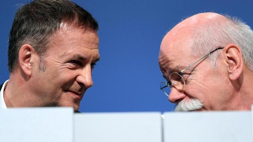 Abgas-Skandal und CO2-Ziele: Zukunftssorge treibt Daimler-Aktionäre trotz Rekordgewinn um