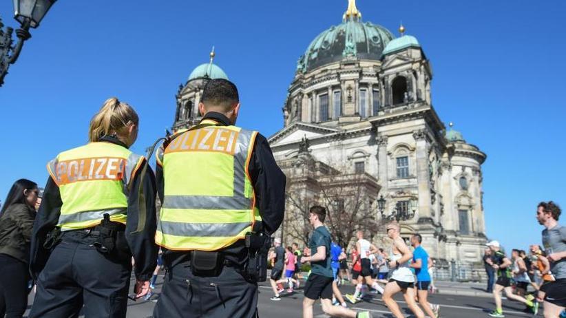 Vier Männer festgenommen: Medien: Polizei verhindert Anschlag in Berlin